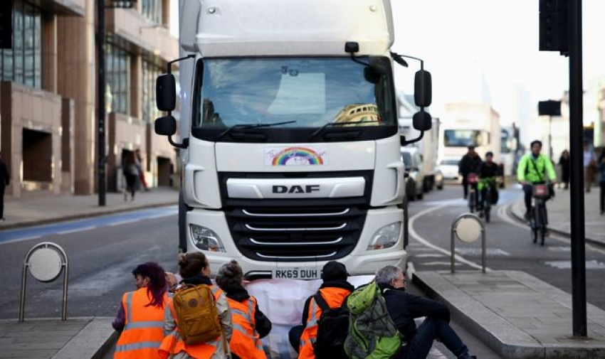 Insulate Britain: Nationwide injunction granted against climate activists blocking roads